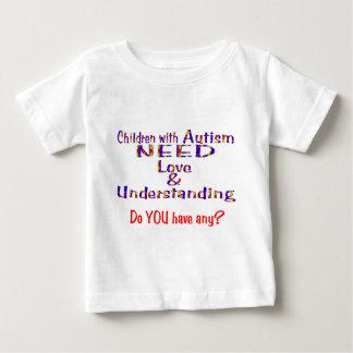自閉症は愛n理解を必要とします ベビーTシャツ