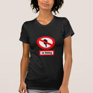 舐めること Tシャツ