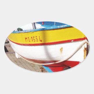 舗装で作成される古い漁船 楕円形シール