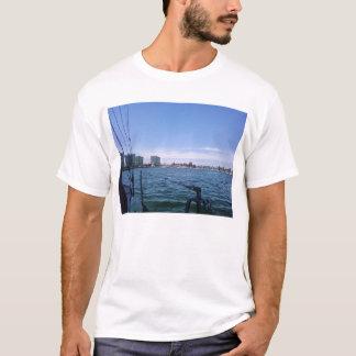 航海するCoronado 2008年11月1日の湾の眺めは支配します Tシャツ