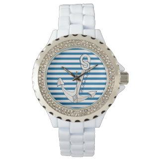 航海のないかりの青および白い横のストライプ 腕時計