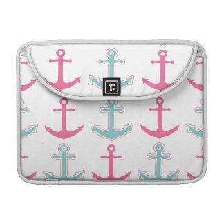 航海のないかりパターンピンクおよび水 MacBook PROスリーブ