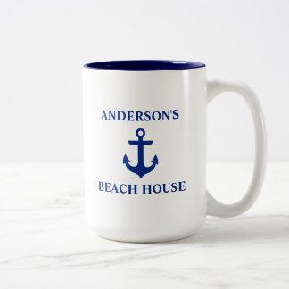 航海のな姓のビーチハウスのいかりの青い大きい ツートーンマグカップ
