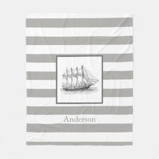 航海のな灰色のヴィンテージのスクーナー船の船及び姓 フリースブランケット