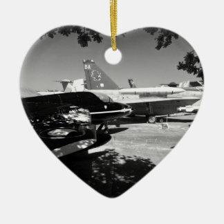 航空機博物館の庭の表示 セラミックオーナメント