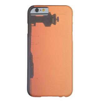 航空管制のtower_Military航空機 Barely There iPhone 6 ケース