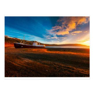 船のボートの日没の郵便はがき ポストカード