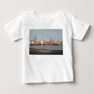 船を助ける引っ張り ベビーTシャツ