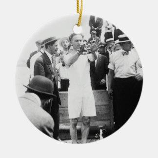 船外の手品師のハリーHoudini箱の脱出1912年 セラミックオーナメント