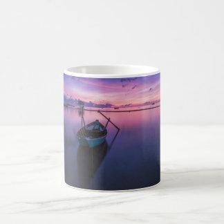 船遊びの日没のマグ コーヒーマグカップ