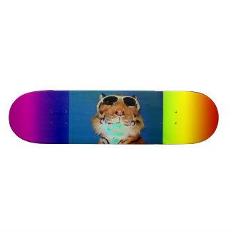 色のカッコいい 21.6CM スケートボードデッキ