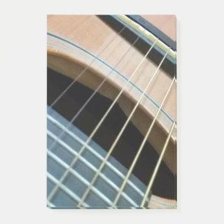 色のギターのイメージのポスト・イットのパッド ポストイット