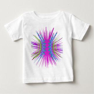 色のフェスティバル: しぶきの輝き ベビーTシャツ