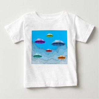 色の傘のベビーのTシャツ ベビーTシャツ