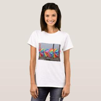 色のTシャツ Tシャツ