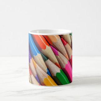 色はクレヨンの背景の質を書きます コーヒーマグカップ