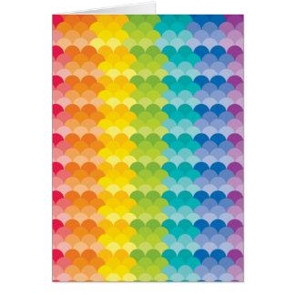 色彩の鮮やかなパレットの虹の帆立貝の多く カード