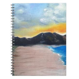 色彩の鮮やかなビーチ場面 ノートブック