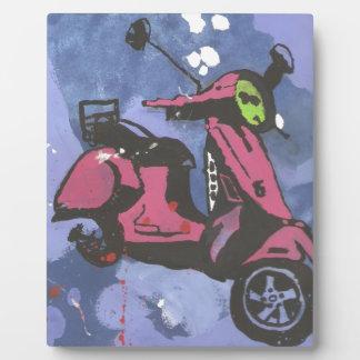 色彩の鮮やかなモーターバイクの紫色の芸術 フォトプラーク