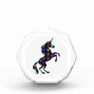 色彩の鮮やかなユニコーンの馬のおとぎ話のnavinJOSHI NVN100 表彰盾