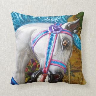 色彩の鮮やかな子馬の枕2 クッション