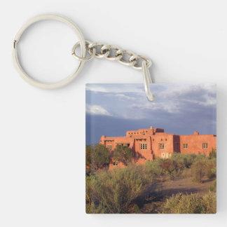 色彩の鮮やかな砂漠のイン、化石森林NP、アリゾナ キーホルダー