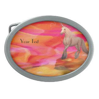 色彩の鮮やかな砂漠のユニコーン 卵形バックル