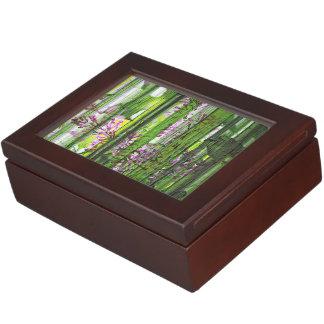 色彩の鮮やかな花柄の抽象芸術の薄紫の記念品箱 宝石箱