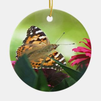 色彩の鮮やかな蝶およびジニア 陶器製丸型オーナメント