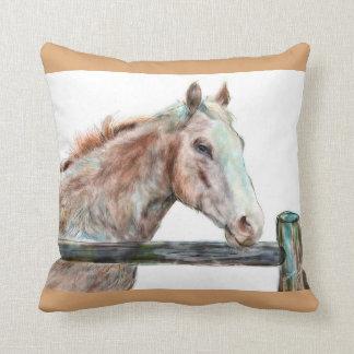 色彩の鮮やかな馬の枕 クッション