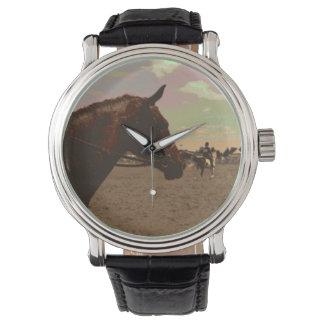 色彩の鮮やかな馬の腕時計 腕時計