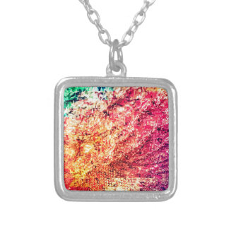 色-万華鏡のように千変万化するパターンの愛のため シルバープレートネックレス