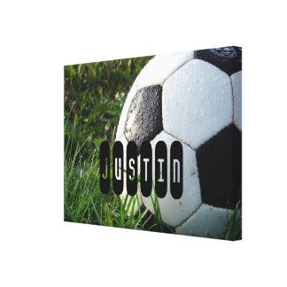芝生の白黒サッカーボール キャンバスプリント
