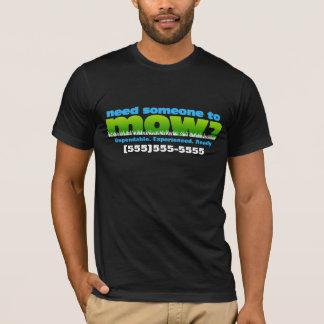 芝生の芝生の心配の庭師だけか前部を刈って下さい Tシャツ