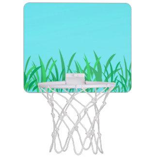 芝生及び青空のイラストレーション ミニバスケットボールゴール