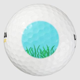 芝生及び青空の絵 ゴルフボール