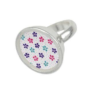 花およびドット・パターン 指輪
