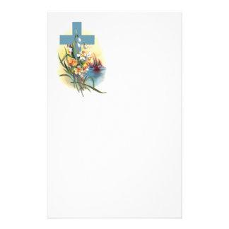 花およびボートが付いている青い十字 便箋