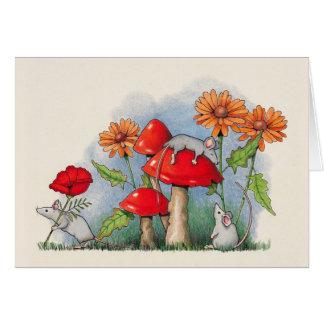花およびToadstoolsの色の鉛筆が付いているネズミ カード