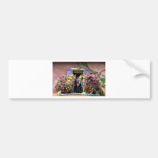 花が付いているバルコニー バンパーステッカー
