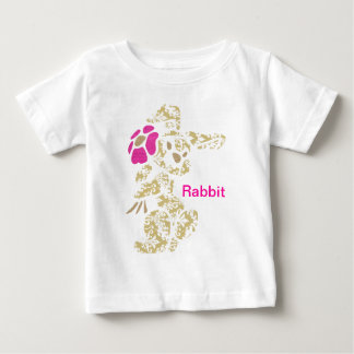 花が付いている花のバニーウサギ ベビーTシャツ