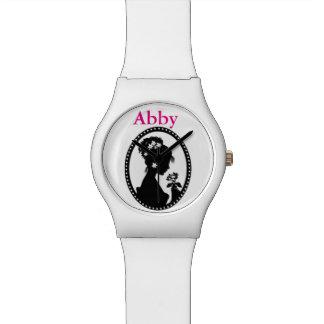 花が付いている花嫁のシルエット 腕時計