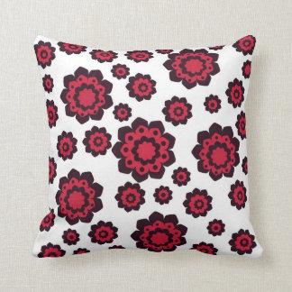 花のアメリカ人のMoJoの赤くおよび黒い枕 クッション