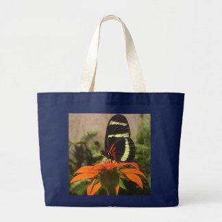 花のトートバックの蝶 ラージトートバッグ