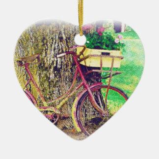 花のバスケットが付いているヴィンテージの自転車 セラミックオーナメント