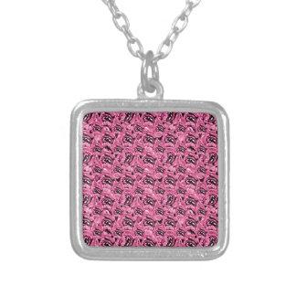 花のピンクのコラージュパターン シルバープレートネックレス