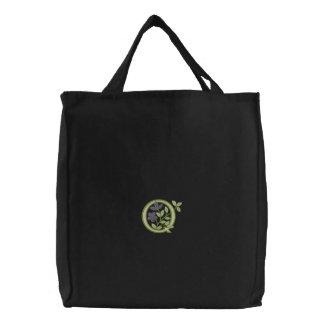 花のモノグラムのイニシャルQ 刺繍入りトートバッグ