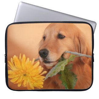 花のラップトップスリーブを持つゴールデン・リトリーバー ラップトップスリーブ