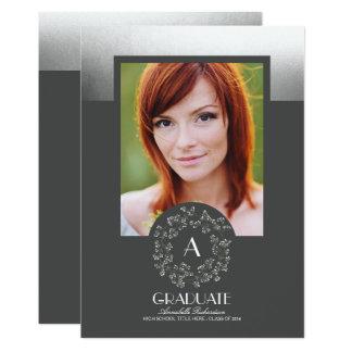 花のリースの銀製灰色の写真の卒業パーティー 12.7 X 17.8 インビテーションカード