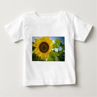 花の写真 ベビーTシャツ